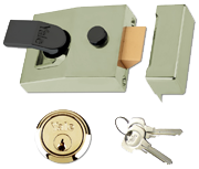 Yale 89 - Deadlocking Night Latch (60mm, Polished Brass)