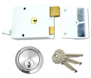 Union 1332 - Double Throw Drawback Night Latch (60mm, White, Satin Chrome)