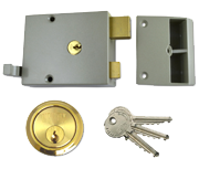 Union 1332 - Double Throw Drawback Night Latch (60mm, Champagne, Polished Brass)
